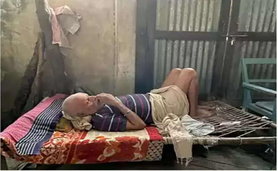 hari om's father